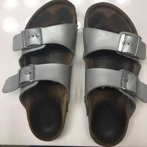 Youth size 3, silver leather, Birkenstock sandals